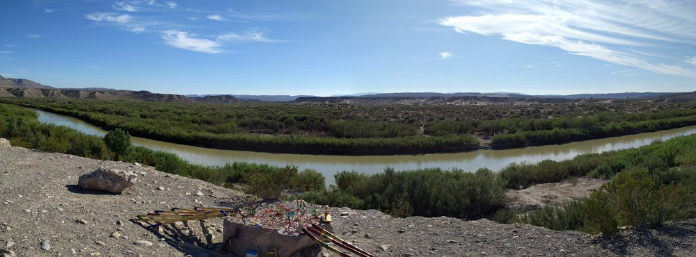 bb_pano_river_trinkets-resized